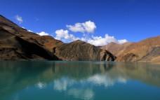 西藏的湖水